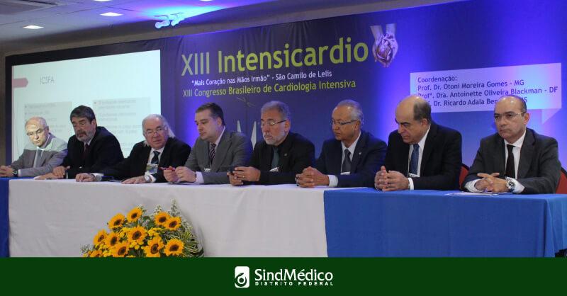 Dr. Gutemberg no Congresso de Cardiologia Intensiva